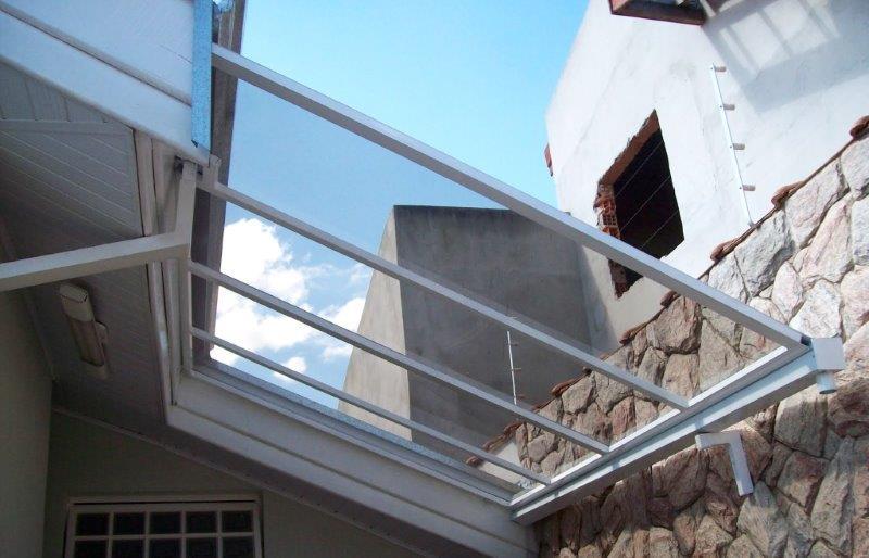 Cobertura de vidro para garagem